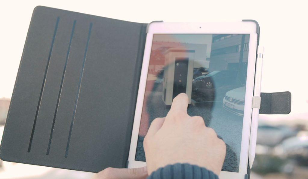 Mit Moon Augmented Reality sieht man schnell, wo die Ladestation fürs E-Auto am besten hinpasst