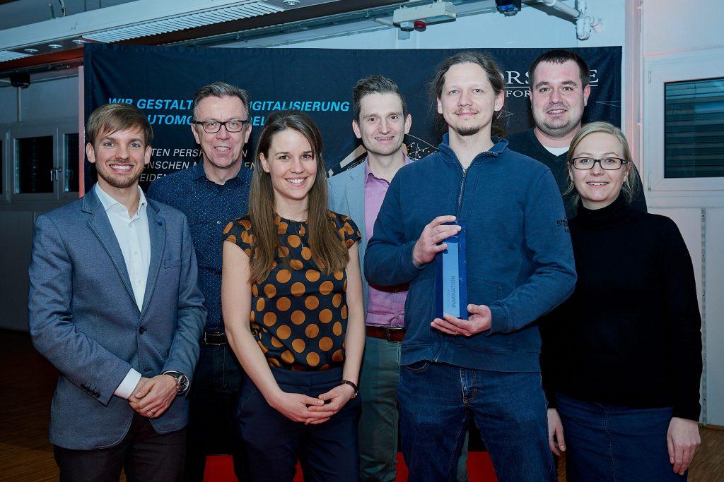Das Digital Innovation Management Team beim Erhalt des Porsche Informatik Change Award