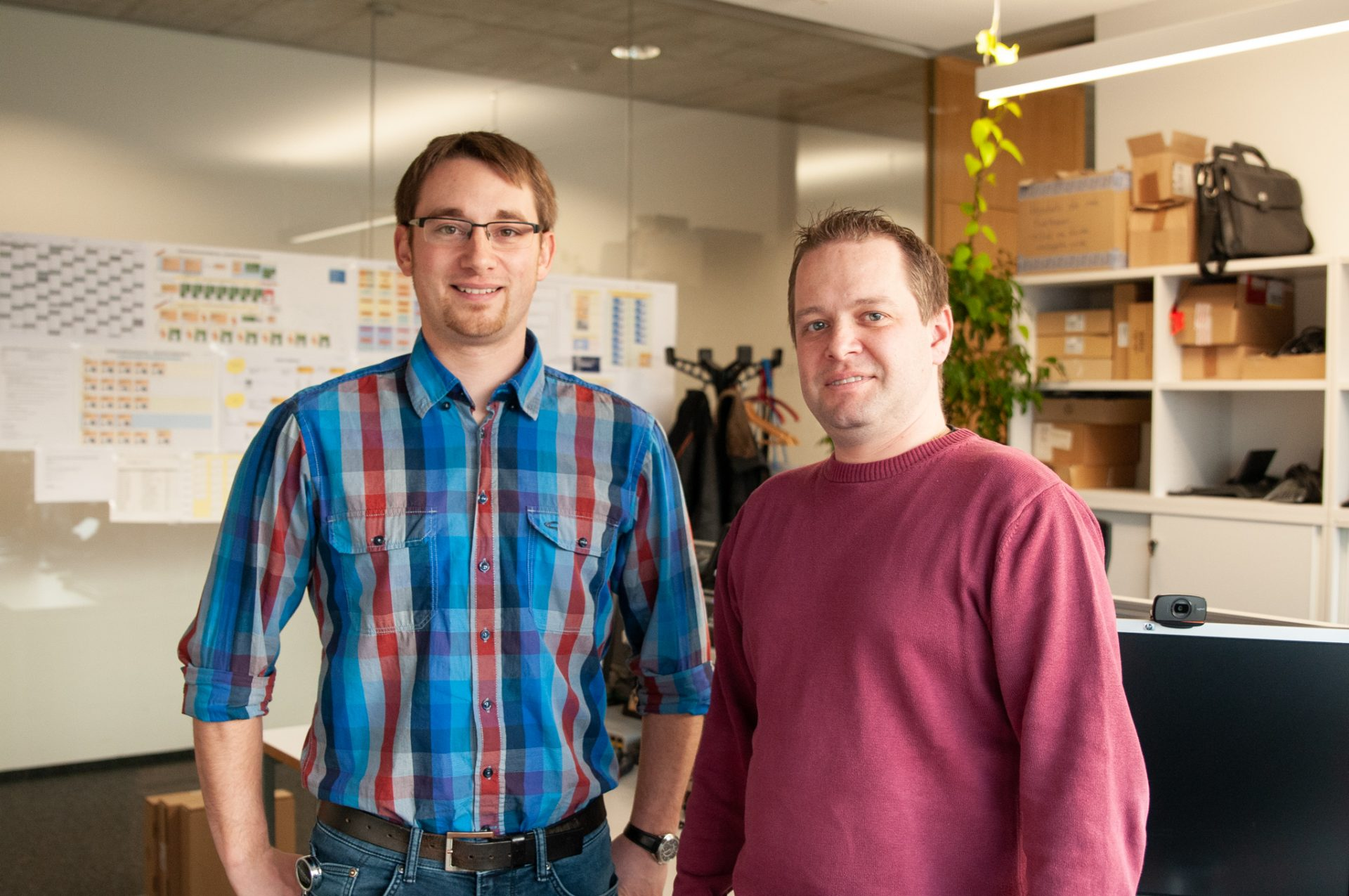 Tobias Oberascher and Gernot Striednig work for the telephone support